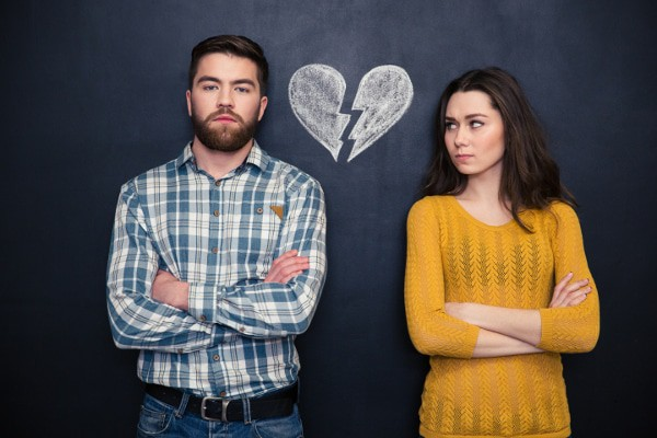 signs your husband doesn't love you, signs my husband doesn't love me